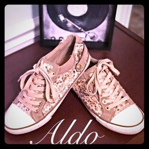 💋ALDO Gold Sequin sneakers size 8 good condition
